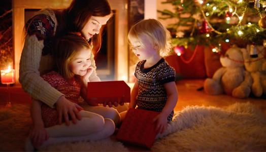 Alle Jahre wieder: Kinder und ihre Geschenke