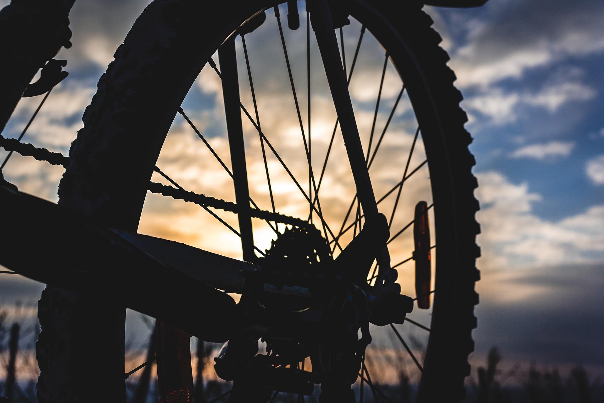 Fahrrad im Sonnenuntergang